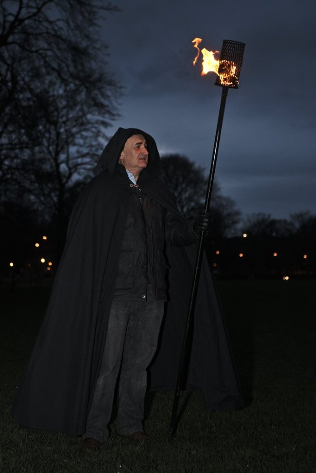 Torchbearers light up the Meadows by Asier Goikoetxea