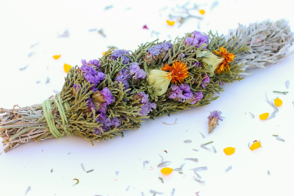 Burning Aromatic Dried Herbs | Good Witches Homestead