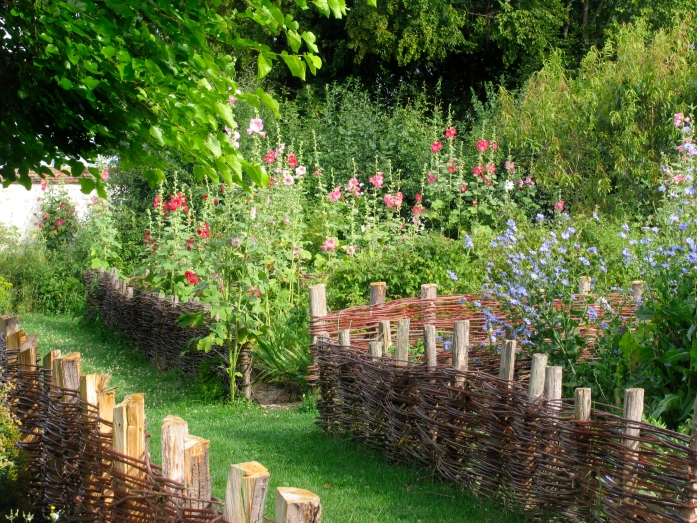 coulommiers_medieval_garden_2061_jpg_original