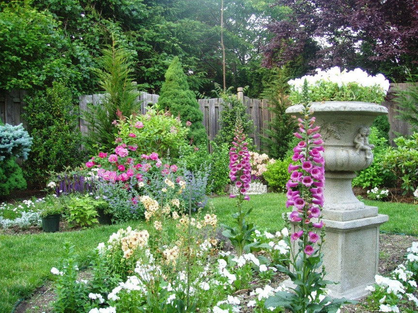 English_Garden_Designed_By_Andrea_Lynn_Fisher