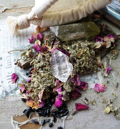 healing-crystals-and-herbs