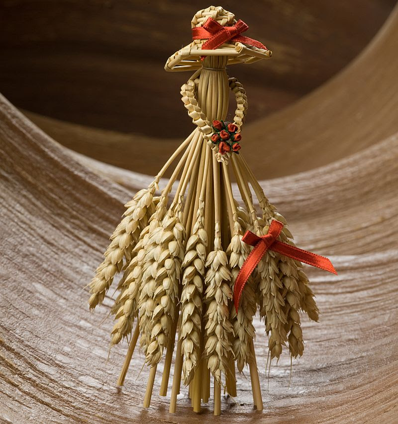Learn How to Make and Use CornDollies