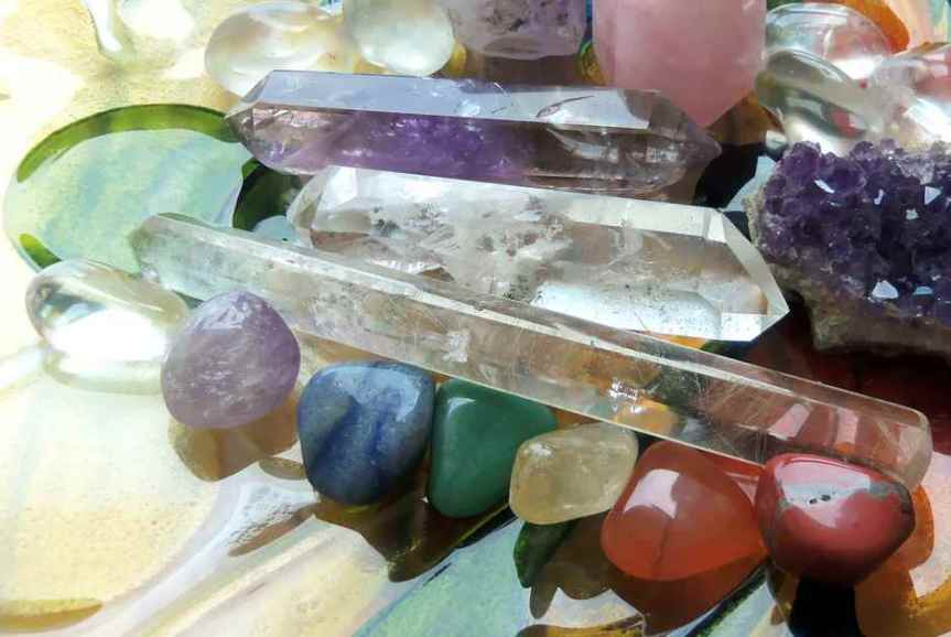 How to Open, Clear, and Balance the Chakras withCrystals
