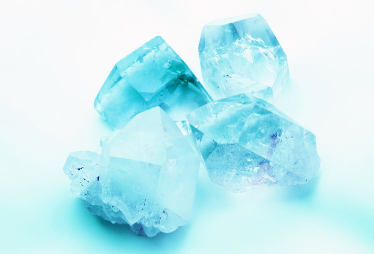 March Birthstones – Zodiac Gemstones: Aquamarine, Bloodstone, Topaz, &more!