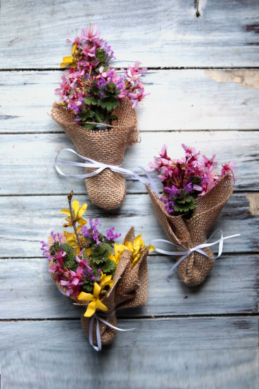 Ostara Mini Wildflower Bouquets (Spring Equinox Craft) – Moody Moons