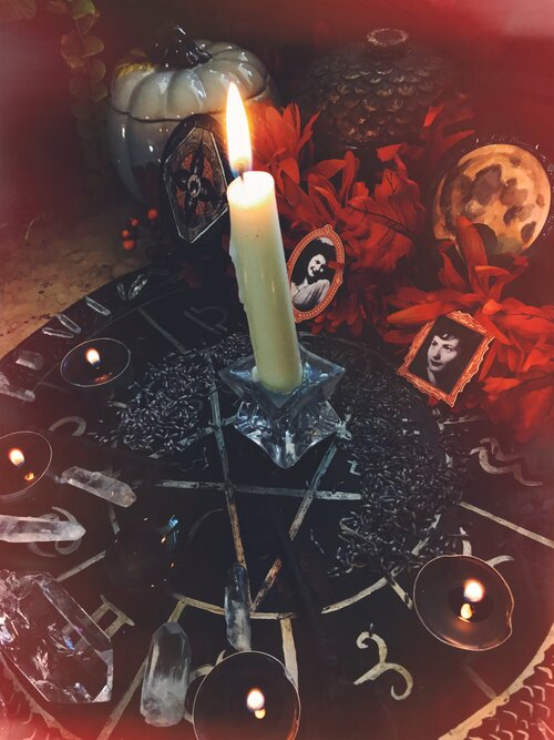 Full Blood Moon in Aries – To Summon The Spirit of A Loved One — Spirit de laLune
